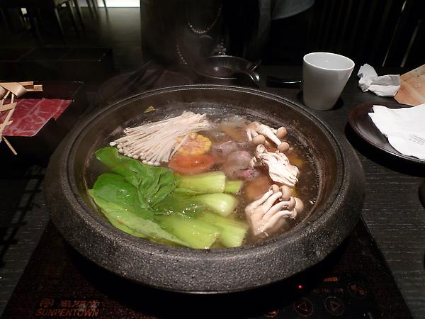看起來很健康的蔬菜鍋