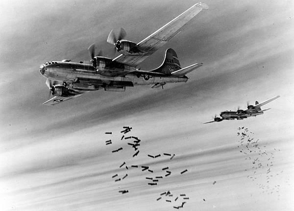 Bell-Atlanta_B-29-25-BA_Superfortress_42-63526_497th_BG_871_BS.jpg