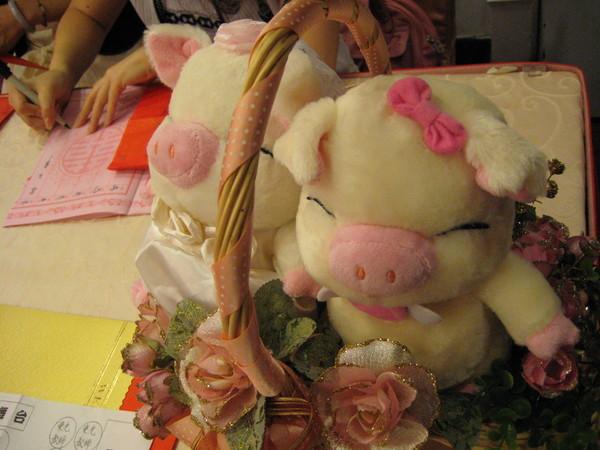 可愛的小豬玩偶
