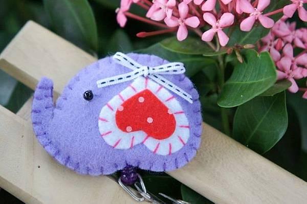 粉紫色愛心耳小象NT120.jpg
