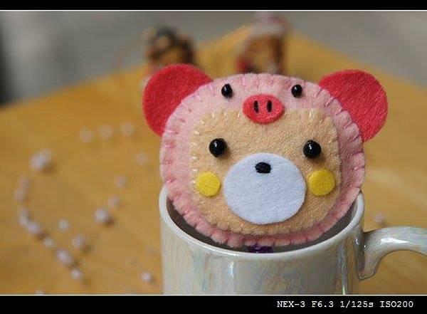 變裝豬小熊 NT150.jpg
