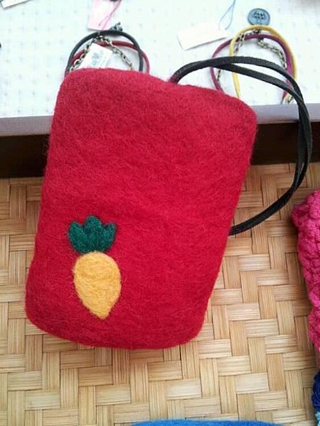 好吃的小蘿蔔鑰匙包NT380~500(依大小).jpg