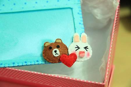 熊大兔兔證件套特寫.jpg