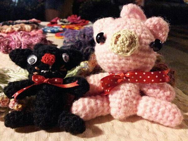 黑貓與粉紅豬.jpg