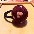 愛心紫紅羊毛氈髮束NT100.jpg