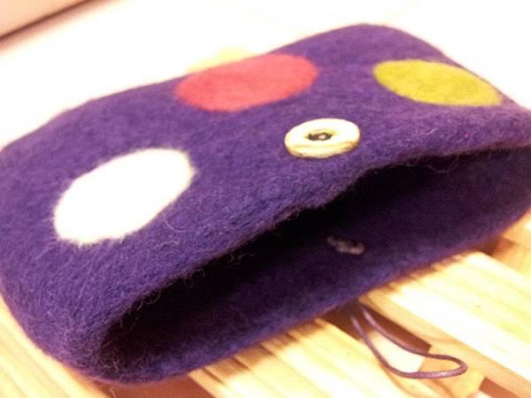 大點點有扣羊毛氈手機套開口NT450~600(依大小).jpg