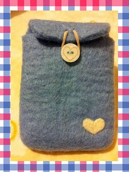 水藍色羊毛氈小包.jpg