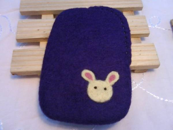 紅蘿蔔+小白兔手機袋(正面)NT450~600(依大小).jpg