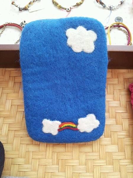 粉藍 白雲 彩虹手機袋NT450~600(依大小).jpg