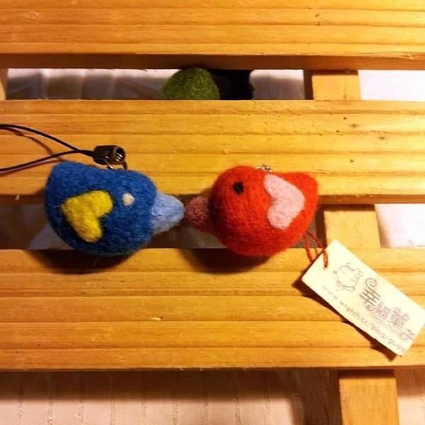 幸福鳥羊毛氈耳機塞&手機吊飾NT120.jpg