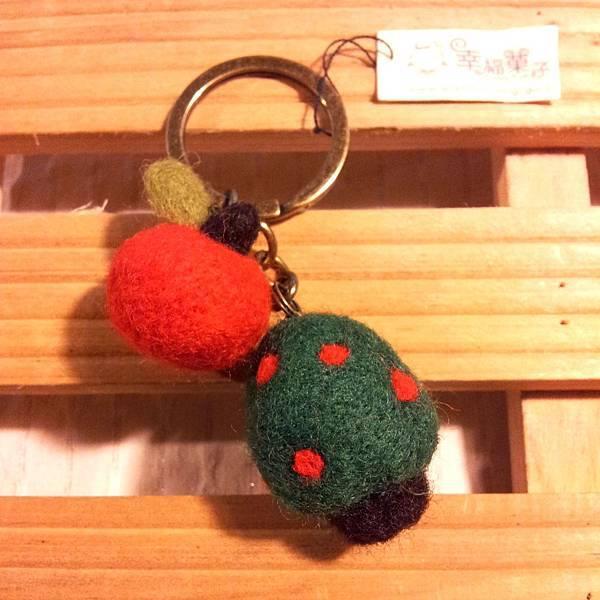 蘋果與樹羊毛氈鑰匙圈NT200.jpg
