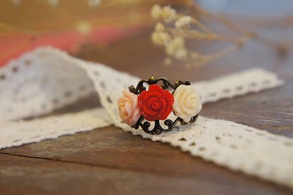 小玫瑰花戒指b.JPG