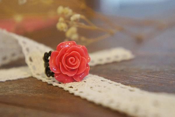 紅色玫瑰花戒指.JPG