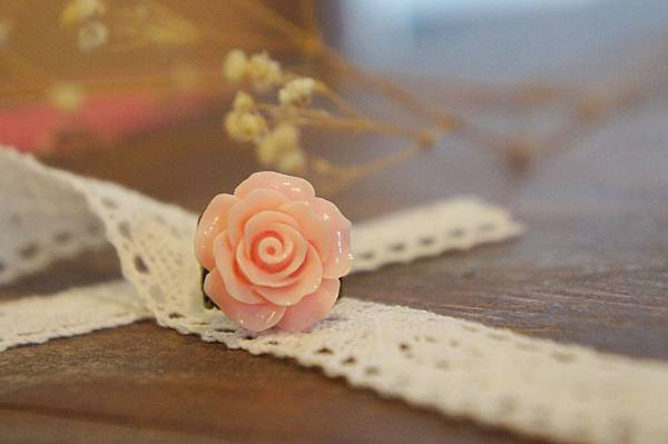 粉紅色玫瑰花戒指b.JPG