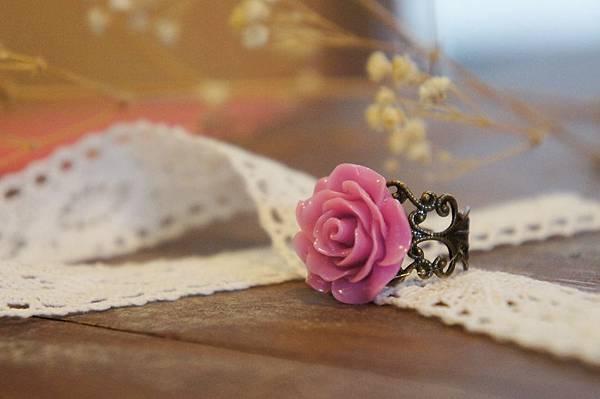 紫色玫瑰花戒指.JPG