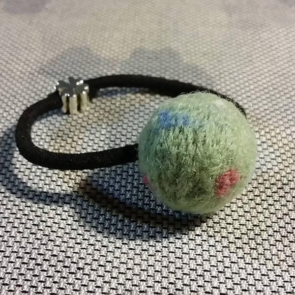 淺綠色羊毛氈髮球NT150.jpg