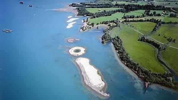 Lorelei swimming islands