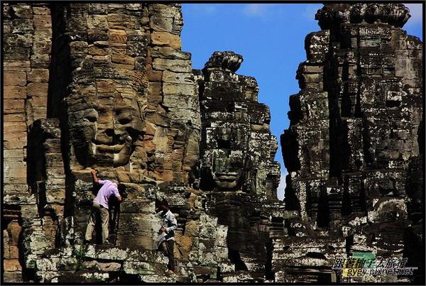 【大吳哥Angkor Thom 】維修的人.jpg