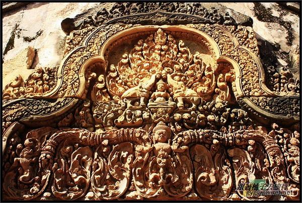 【女皇宮Banteay Srei】其中一個門楣.jpg