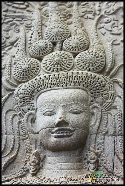 【小吳哥Angkor Wat 】唯一露齒微笑的Apsaras阿普沙拉仙女.jpg