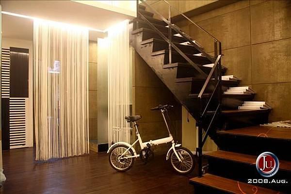1f 樓梯1