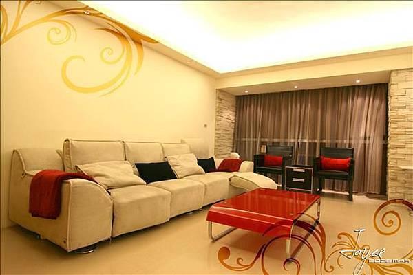 客廳-四人座的沙發可變更為沙發床喔!