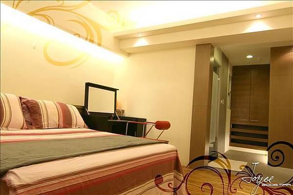主臥室的設計強調具有獨立衛浴,更衣,梳妝空間