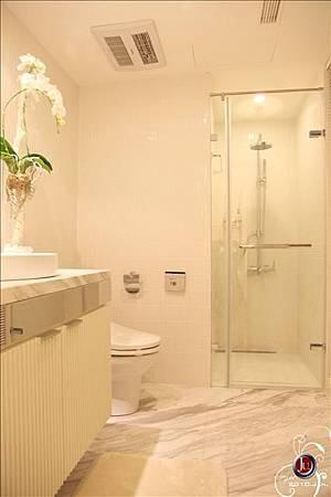 男孩房衛浴1