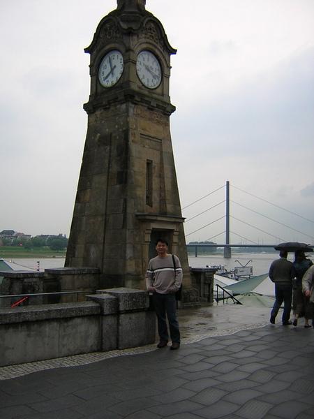 Dusseldorf萊因河岸3.jpg