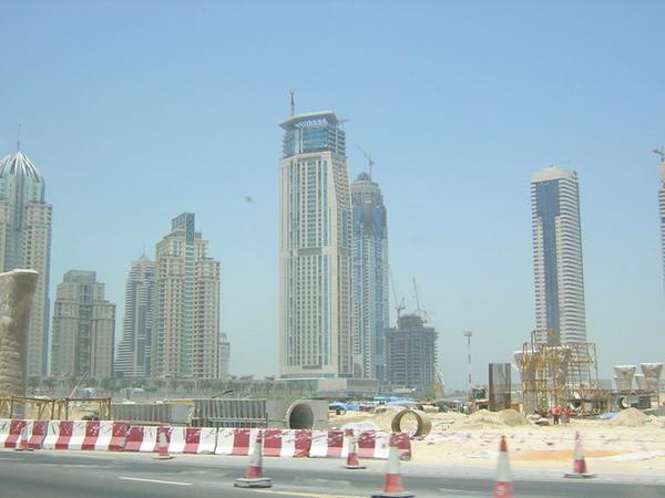 另一處新建中的杜拜城市.jpg