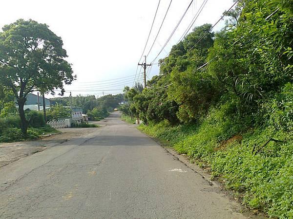 6.左轉進來約50公有叉路,此時要右轉.jpg