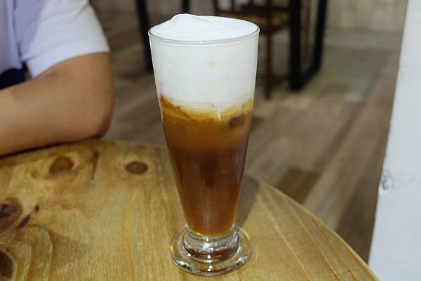 國寶鮮奶茶.JPG