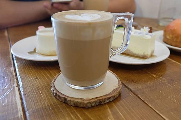 拿鐵咖啡 (2).JPG