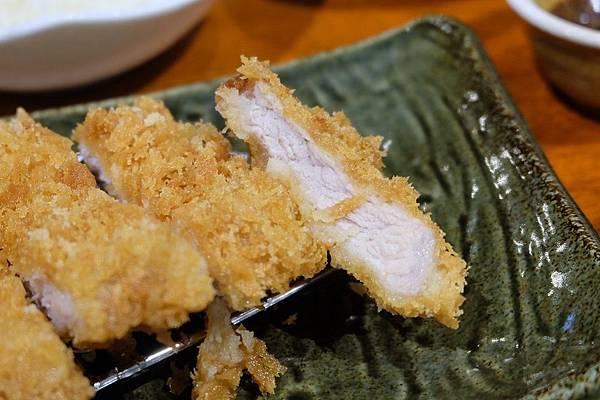 炸豬里肌肉排定食 (3).JPG