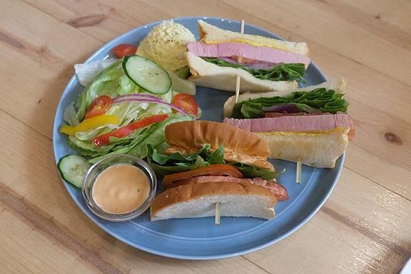 BBQ豬排三明治 (2).JPG