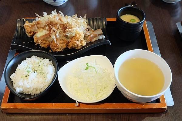 熟成黃金章魚燒豬排 (1).JPG