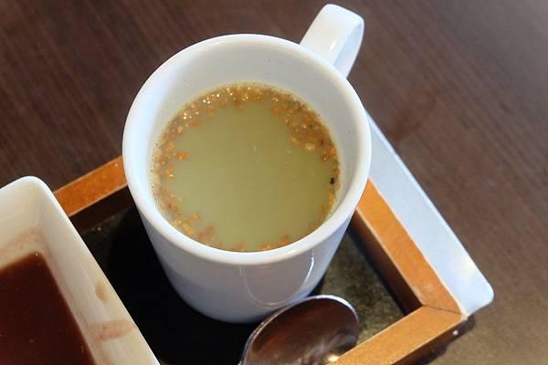 熱黑豆玄米抹茶.JPG