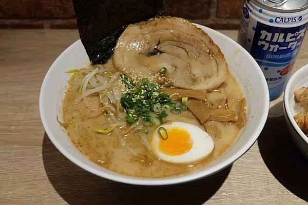 鹽味拉麵 (2).JPG