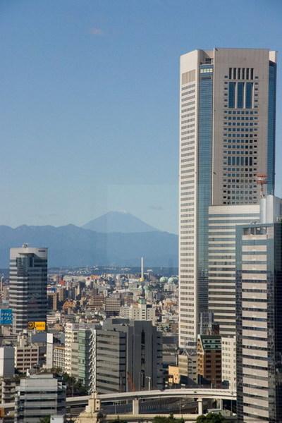 新宿高樓和富士山