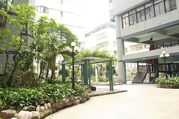 大樓中庭3