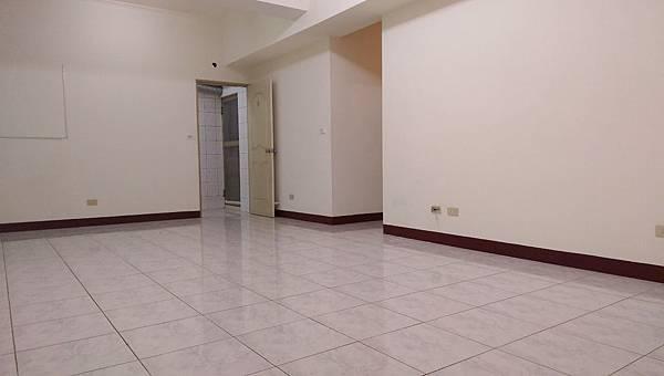 07寬敞大客廳