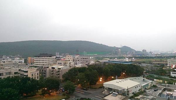 09客廳陽台外景觀