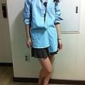 正韓 淺藍色單口袋牛仔襯衫 HKD189