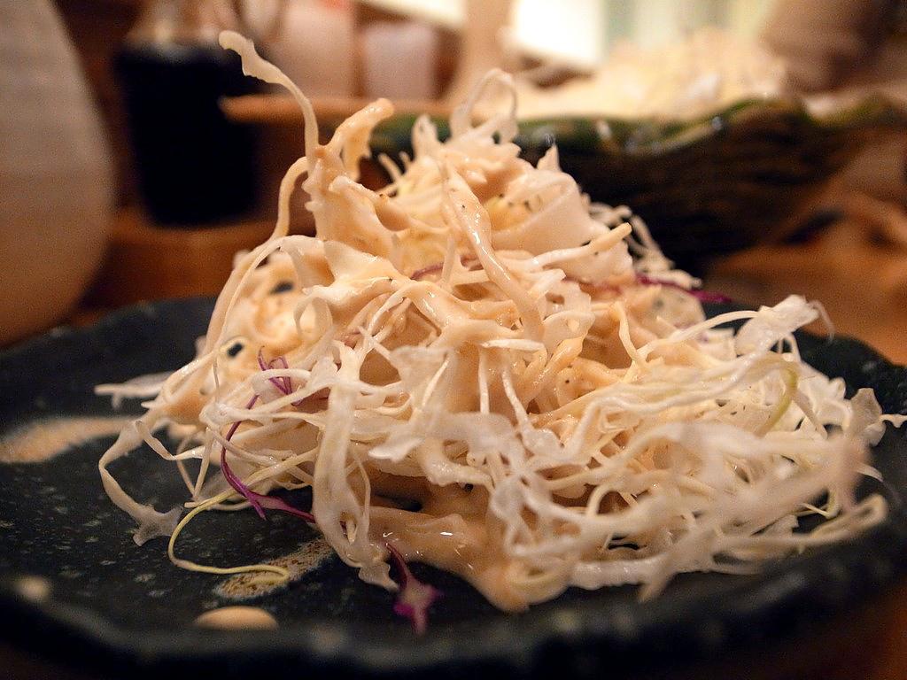勝博殿高麗菜絲加芝麻醬