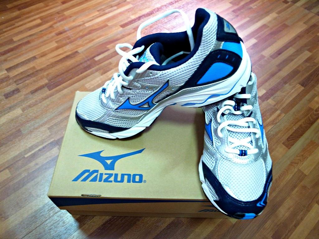 MIZUNO 慢跑鞋 開箱