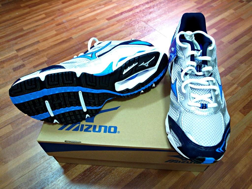 MIZUNO 慢跑鞋 CP值