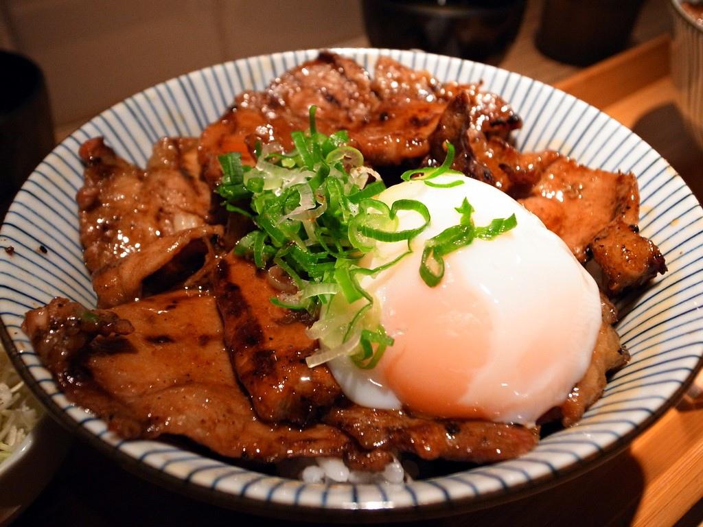 燒肉丼食堂