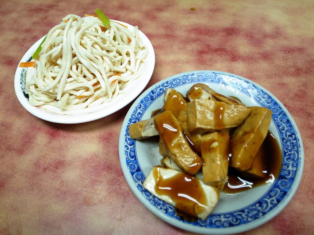 富宏牛肉麵 小菜