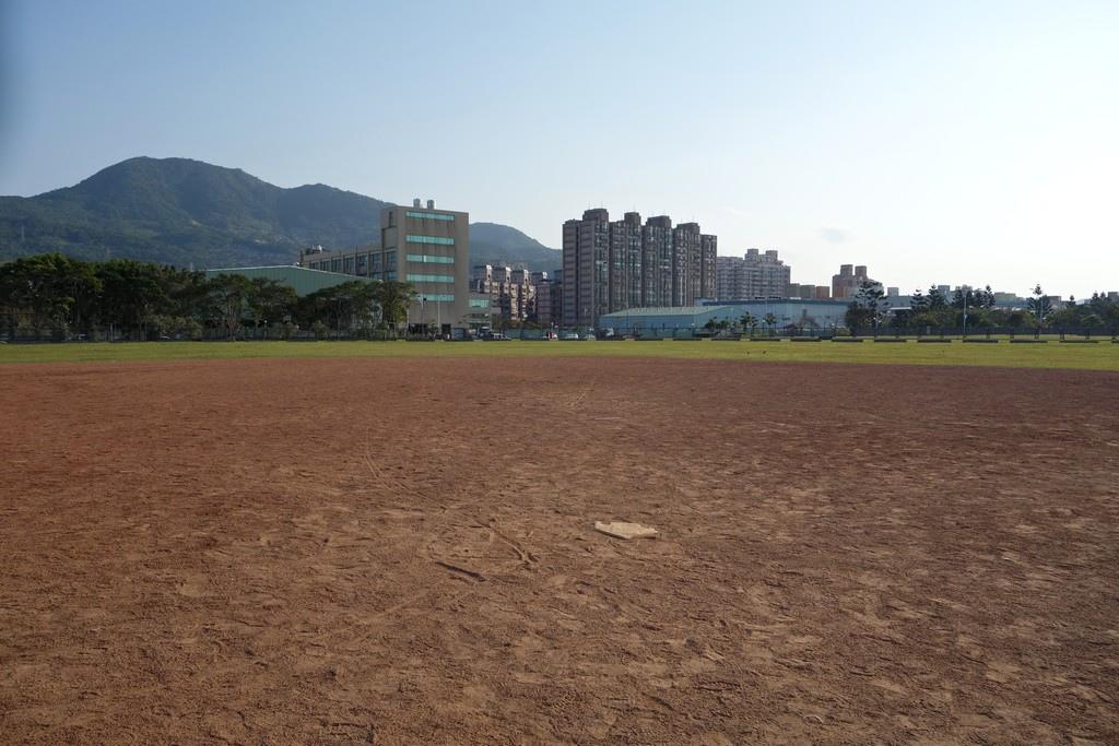 十三行公園 棒球場