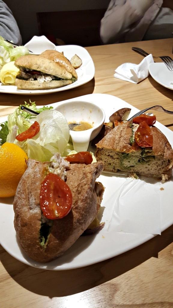 鮪魚青醬三明治 對半